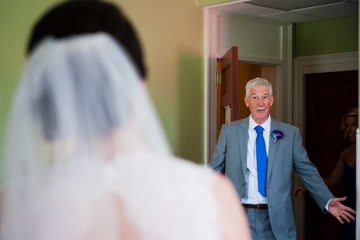 Bride and her dad see each other for the first time