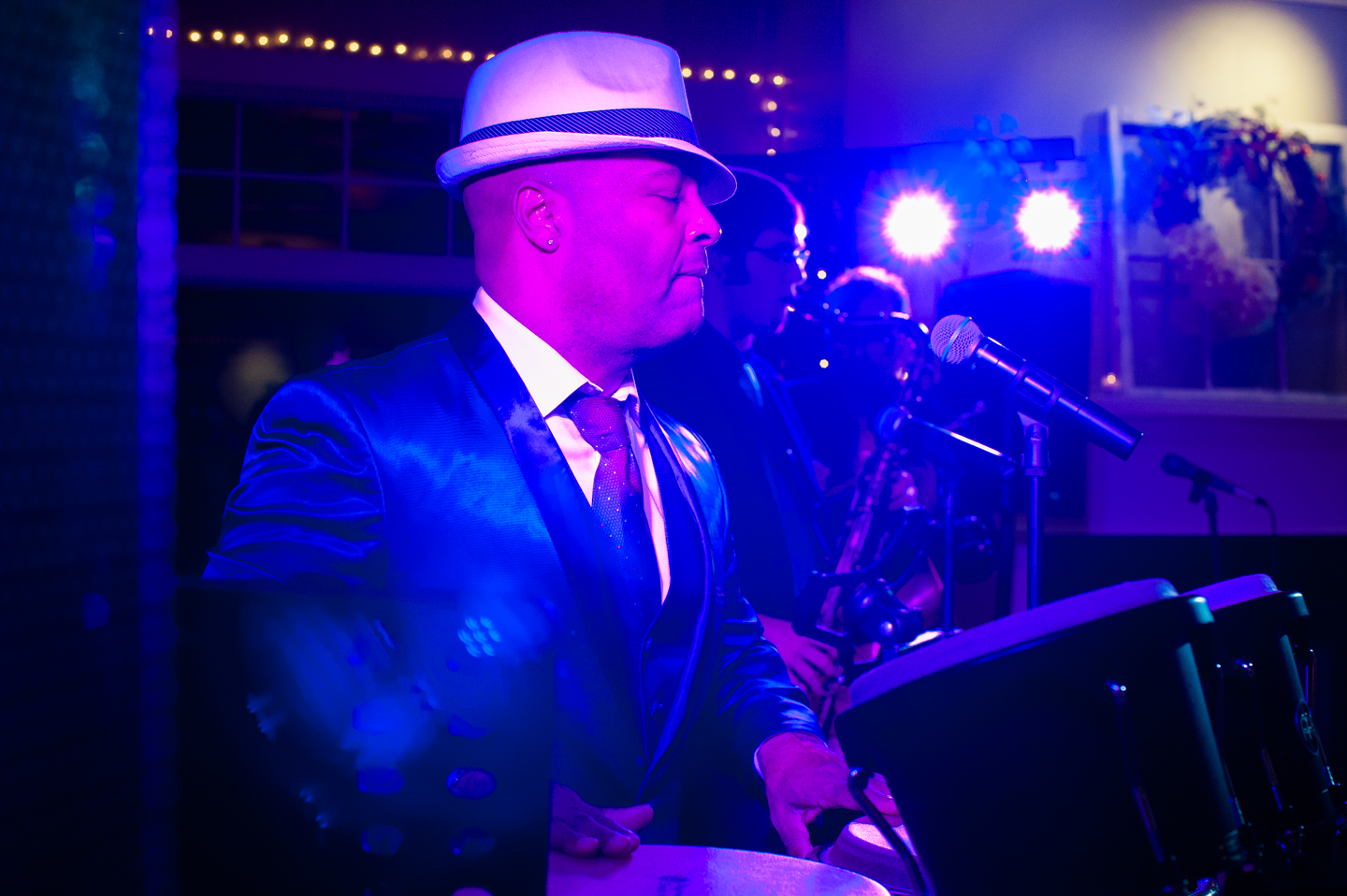 wedding band performing at country club wedding
