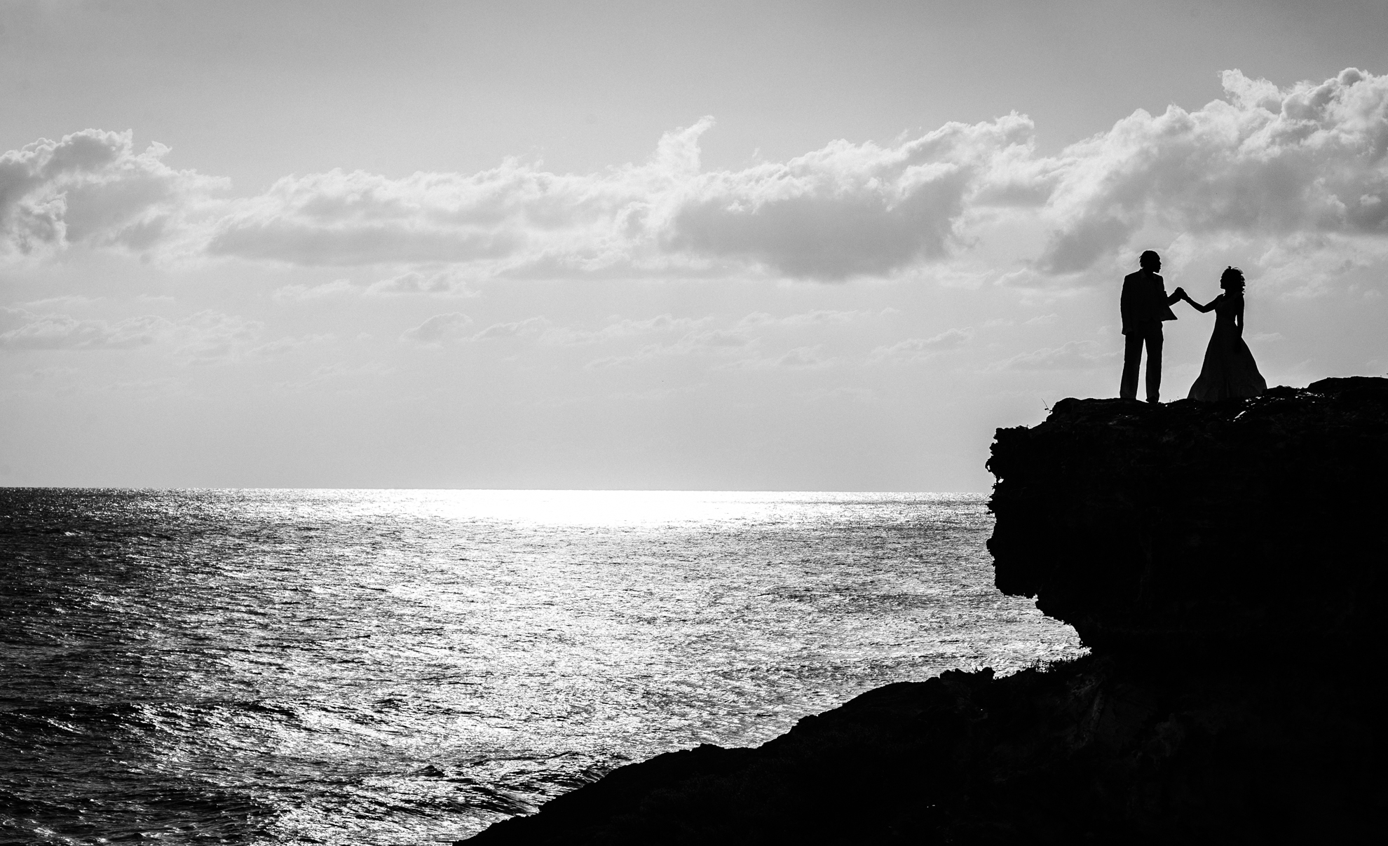 isla mujeres wedding portrait on oceanside cliff