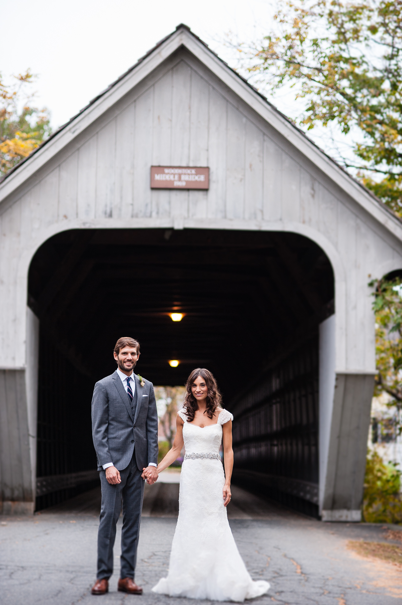 woodstock inn vermont covered bridge wedding portraits