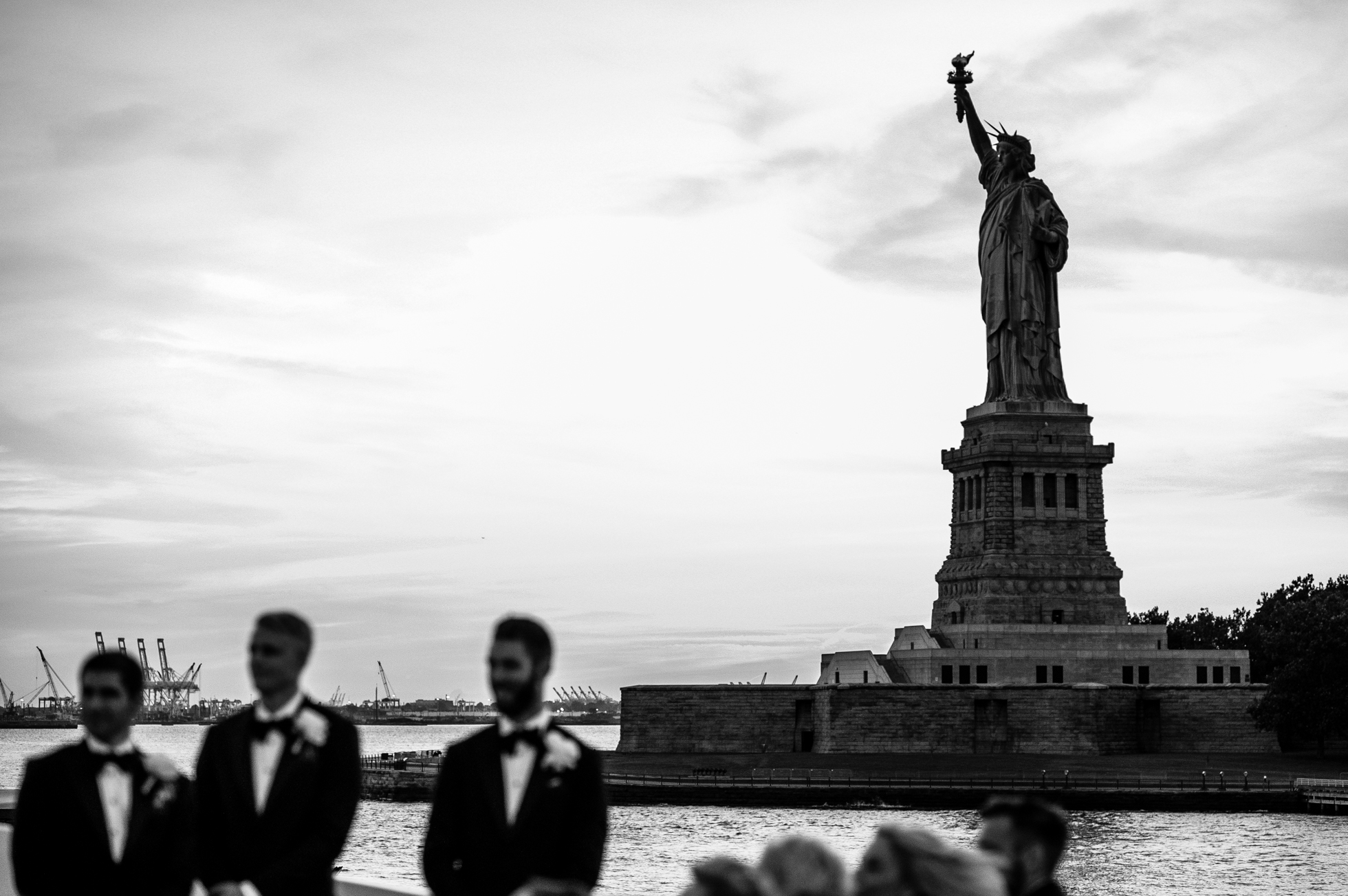 A Luxury Yacht Wedding in NYC | Sunset ceremony on The Atlantica