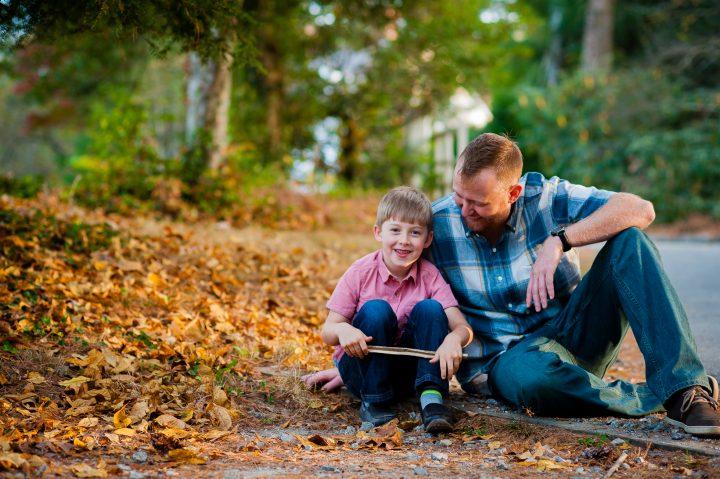 lifestyle family photo at carl sandburg home