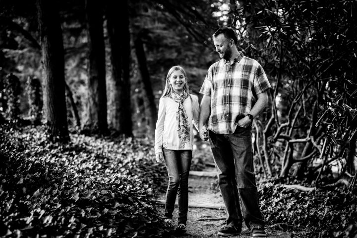 lifestyle family photographer in flat rock