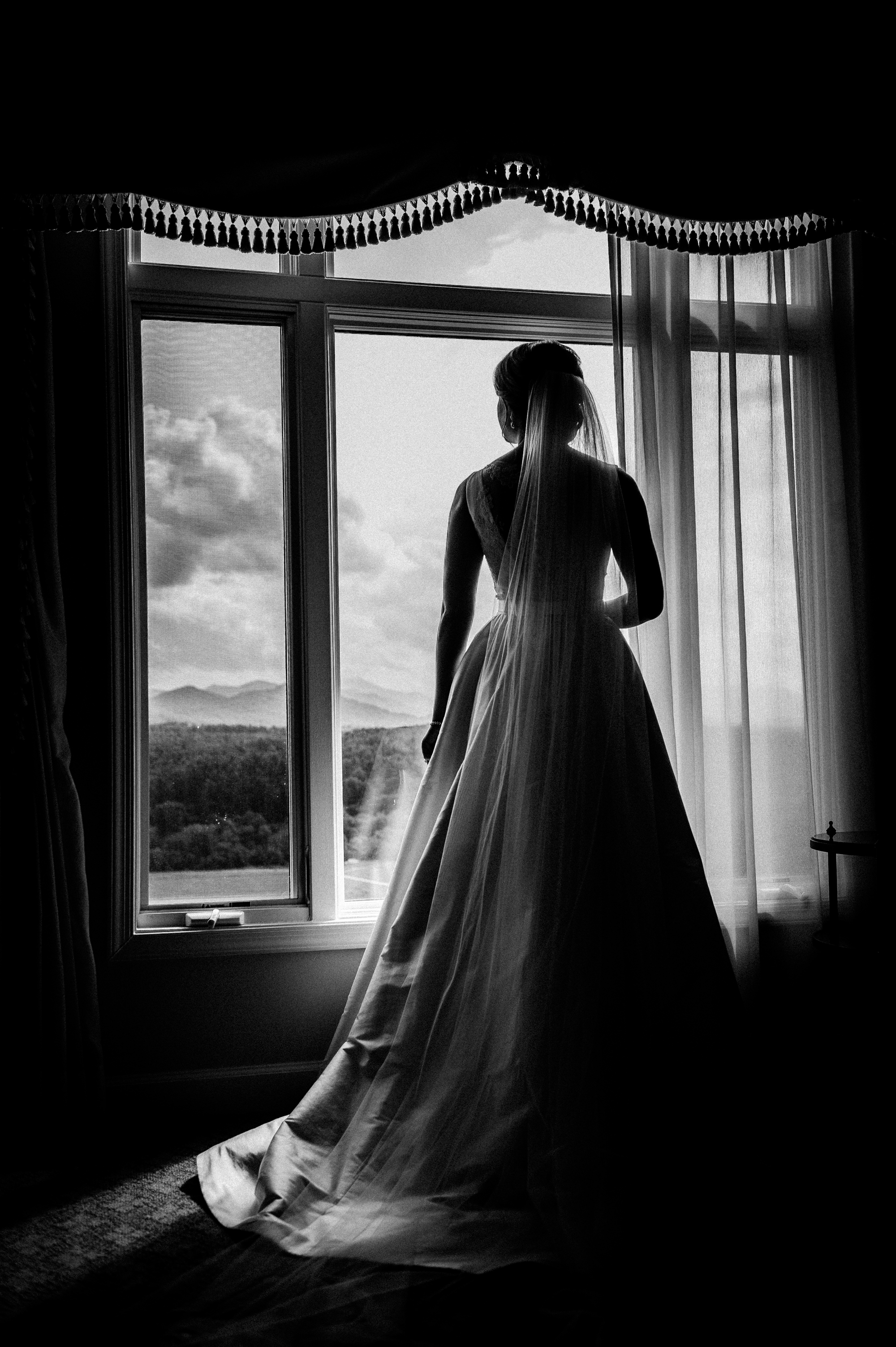 bridal portrait at the Inn on Biltmore Estate