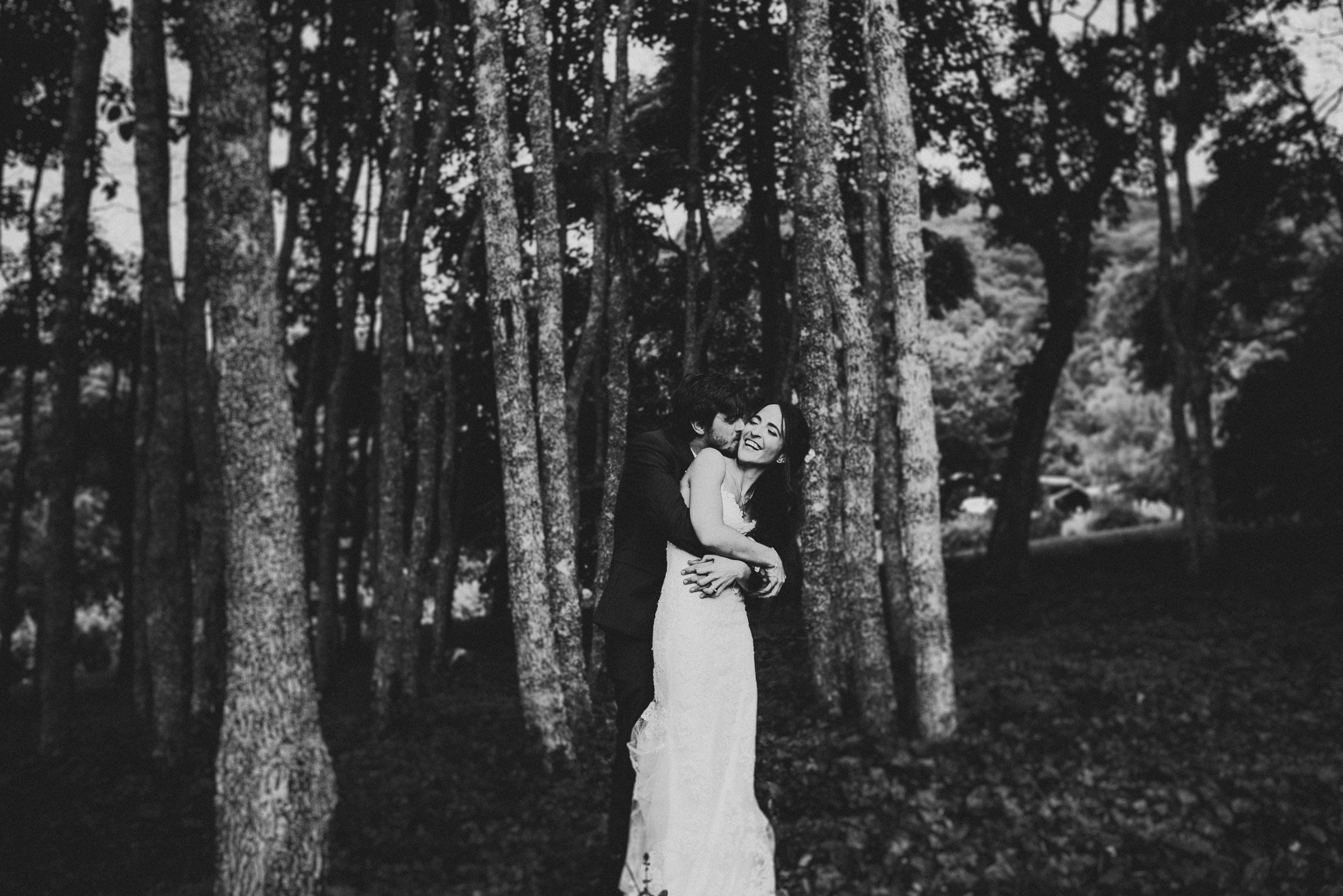 asheville wedding photographer at vineyards at bettys creek