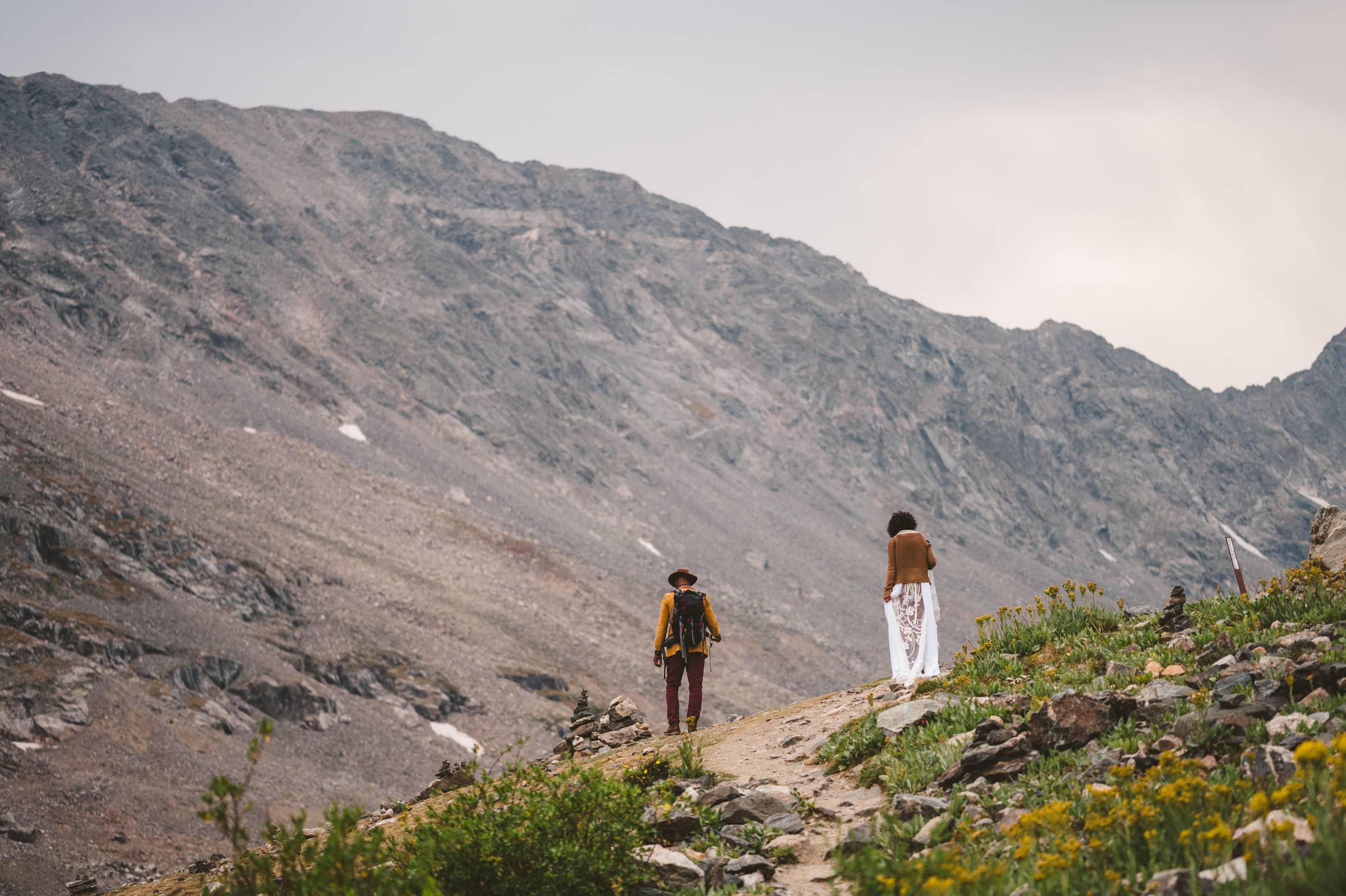alaska hiking elopement