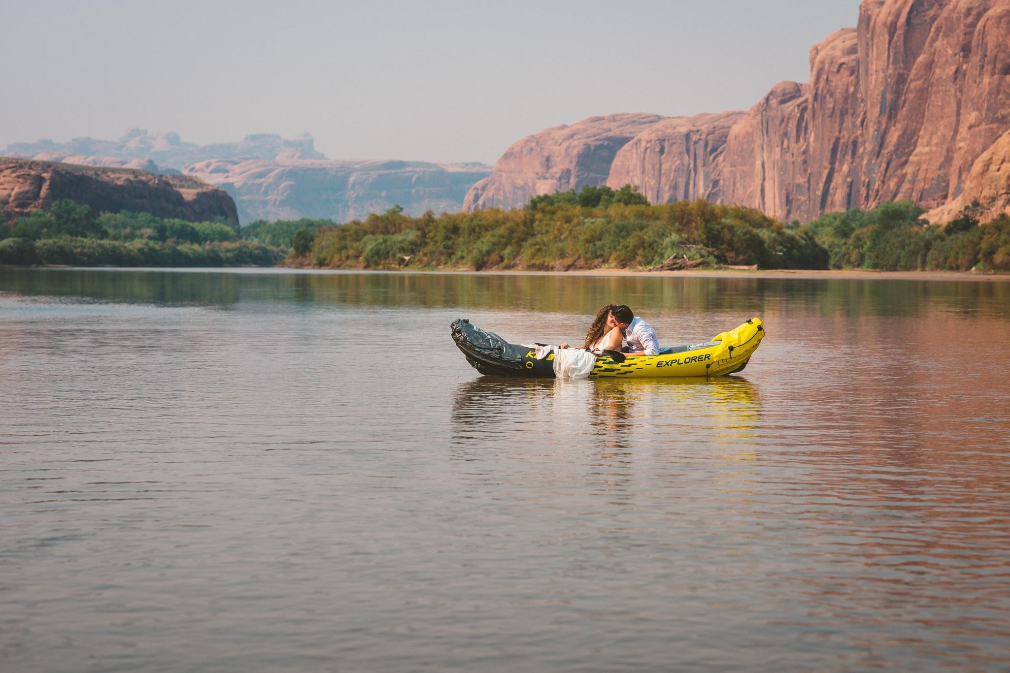 Colorado River wedding pictures