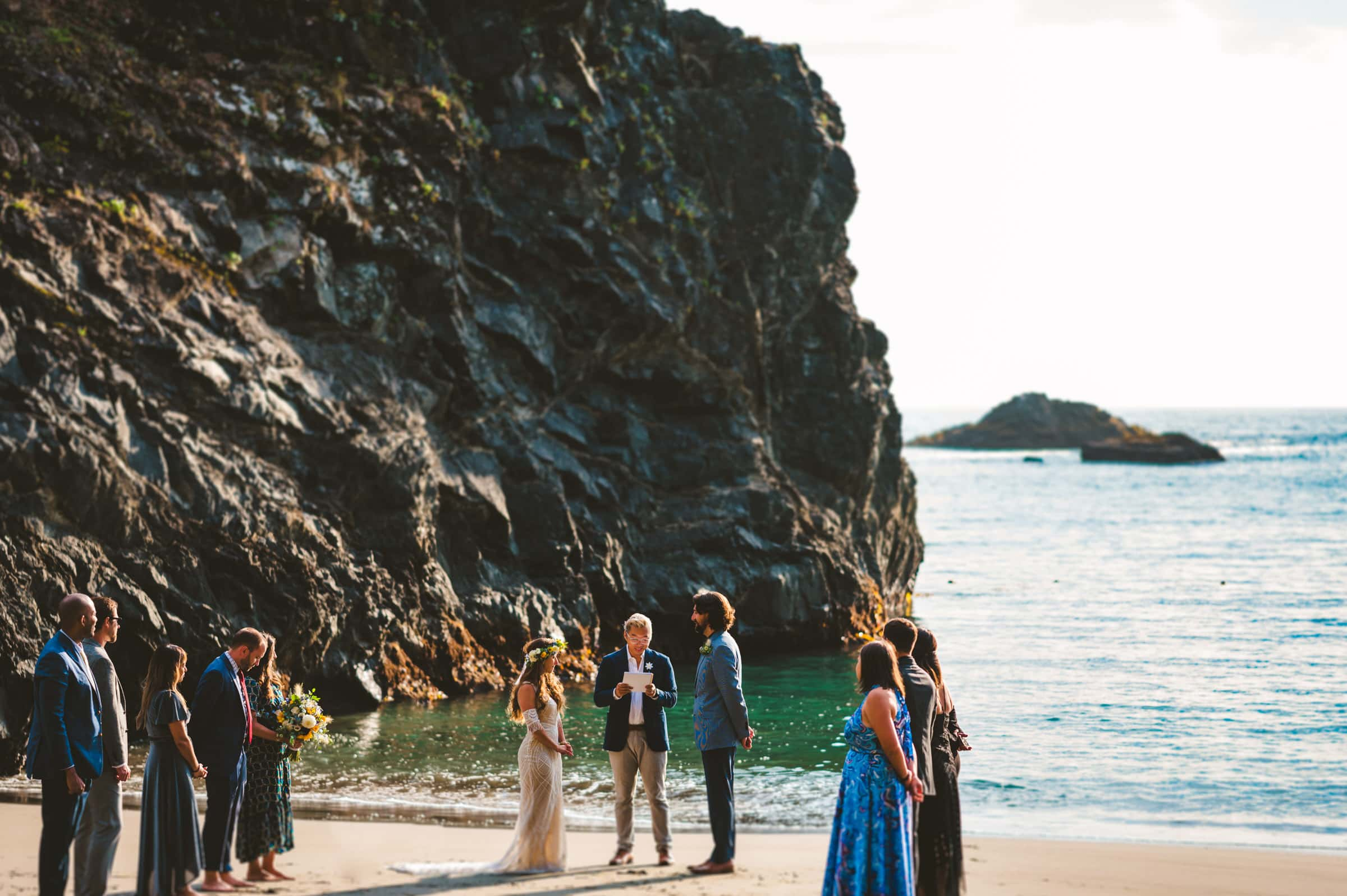 Oregon Coast elopement with family & friends